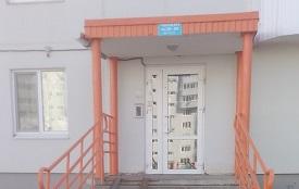 Покраска входных групп в доме по адресу ул. Целинная, 45