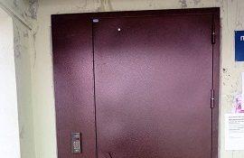Монтаж металлических дверей в доме по адресу ул. Делегатская, 35
