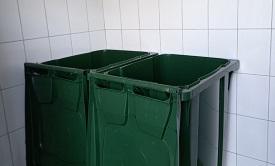 Замена мусорных баков в доме по адресу ул. Строителей, 9
