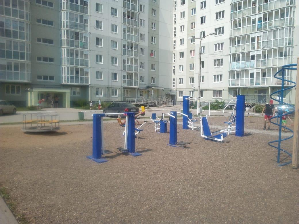 Обустройство детской игровой площадки и спортивной площадки
